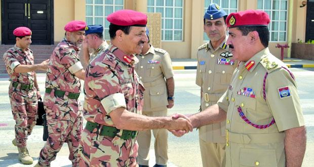 رئيس أركان قوات السلطان المسلحة يتوجه للكويت