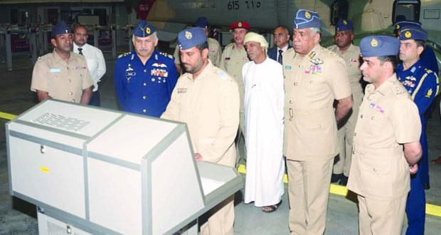 استعراض أوجه التعاون العسكري بين السلطنة وباكستان
