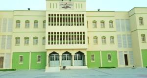 طلبة السلطنة ينتظمون اليوم على مقاعد الدراسة في جميع المحافظات