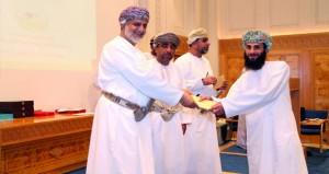 تكريم الفائزين في مسابقتي القرآن الكريم والإنشاد بشؤون البلاط السلطاني