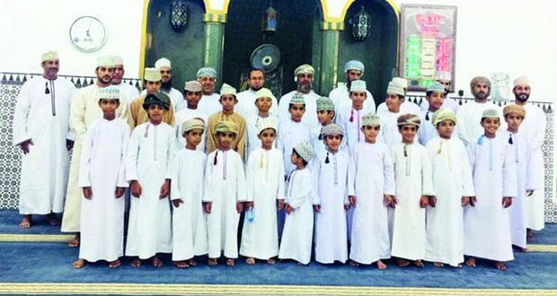 تكريم 30 من حفظة القرآن الكريم بقرية سدي في إزكي