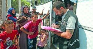 سوريا: مئات النازحين في لبنان يعودون إلى ديارهم بأرياف دمشق وحمص وحماة