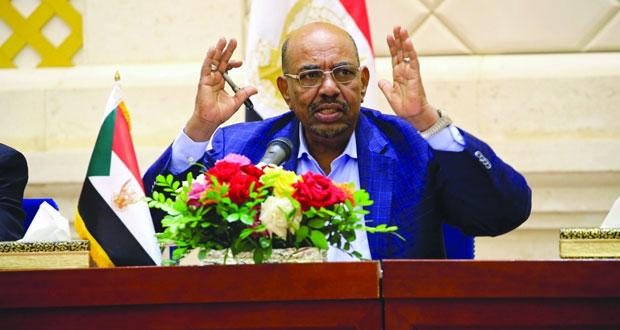 السودان : البشير يعيّن رئيسا جديدا لـ (حكومة رشيقة) تتعامل مع الأزمة الاقتصادية