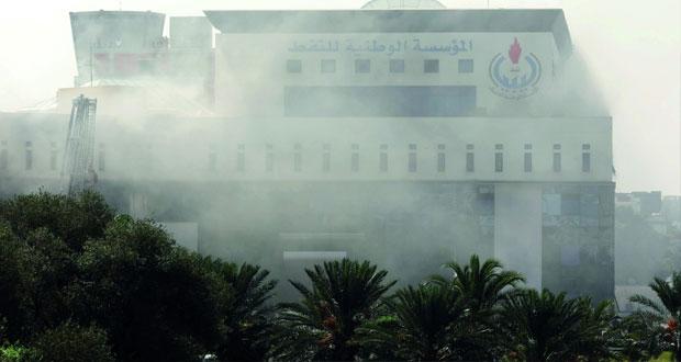 ليبيا : استمرار الاقتتال بطرابلس .. وسقوط صواريخ في محيط مطار معيتيقة