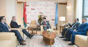 الوزير المسؤول عن الشؤون الخارجية يبحث تعزيز العلاقات والقضايا الهامة مع عدد من نظرائه في دول العالم