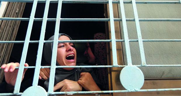 فلسطينيون يتصدون لهجمات المستوطنين بـ (الخان الأحمر) والاحتلال يطوق الضفة المحتلة وغزة