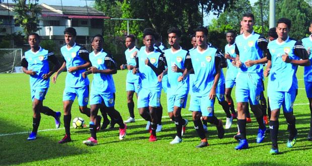 منتخبنا لناشئي القدم يواصل تدريباته اليومية ورفض ودية الهند