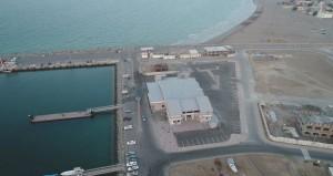 تدشين ميناء السويق تجاريًّا