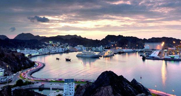 بدء تمهيد وتسوية أرض مشروع الواجهة البحرية بميناء السلطان قابوس