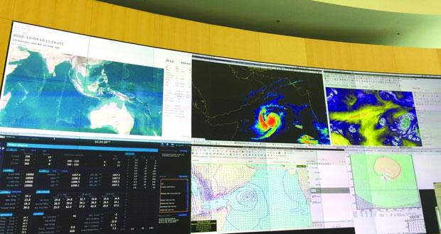 «لبان» يتراجع إلى عاصفة وتأثيراته غير المباشرة مستمرة مصحوبة بأمطار متفرقة وتوقعات بزيادة كمياتها اليوم وغدا