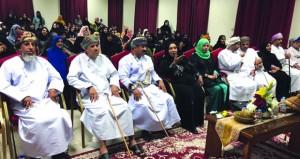 ولاية السيب تكرم المتطوعات والأسر المنتجة ومشرفات الأيتام في احتفالها بيوم المرأة العمانية