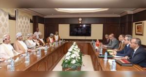 السلطنة وتونس تبحثان تعزيز التعاون في المجالات الزراعية والحيوانية والسمكية