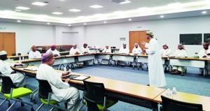 تواصل دورة تطوير مهارات إداريي المنتخبات الوطنية والفرق الرياضية