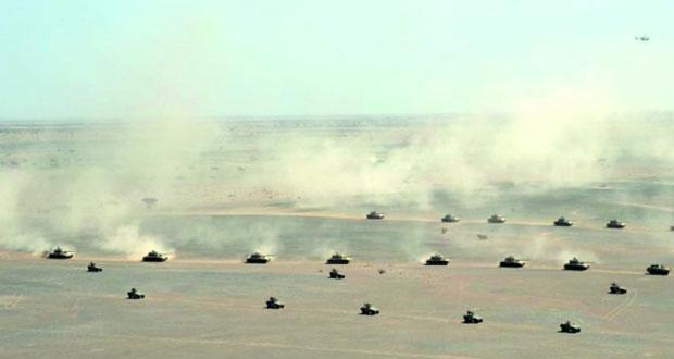 احتياط القوة البرية تنفذ الضربة المضادة ضد قوات الأوهام المفترضة بنجاح تام في تمرين (الشموخ/2)