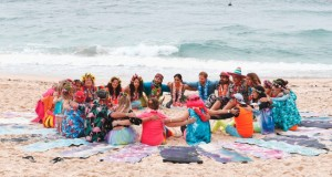 هاري وميجان مع الأستراليين على شاطئ بوندي في سيدني لزيادة الوعي حول الصحة العقلية والبدنية