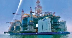 ميناء الدقم يستقبل منصتين نفطيتين عملاقتين للحفر في البحر