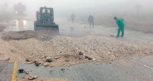 استمرار جهود احتواء آثار الحالة المدارية في ظفار
