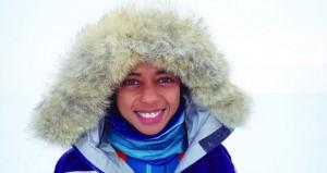 """مستكشفتان عمانية وبريطانية تقدمان محاضرة ملهمة بعنوان """"امرأتان وقطبان وثقافتان"""""""