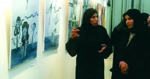 الجمعية العمانية للفنون التشكيلية تحتفل بيوم المرأة العمانية
