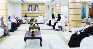 بحث التعاون التربوي بين السلطنة وقطر