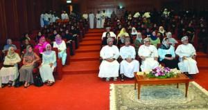 """""""الدولة"""" و""""الشورى"""" يحتفلان بيوم المرأة العمانية باستعراض إسهاماتها في مسيرة التنمية الشاملة"""