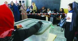 (الانتخابات الأفغانية): قتلى وجرحى بانفجار عبوات ناسفة وتمديد التصويت في دوائر انتخابية