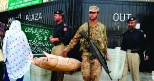 الباكستانيون يبدأون التصويت في الانتخابات التكميلية