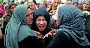 شهيد وجرحى في سلسلة غارات إسرائيلية على غزة .. والاحتلال يغلق المعابر