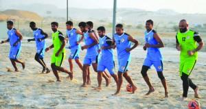 منتخبنا لكرة القدم الشاطئية يغادر إلى دبي ويخوض وديتين أمام الإمارات