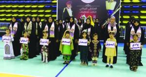 تفاعل كبير وأنشطة متنوعة في الملتقى الرياضي الثالث لجمعيات المرأة العمانية بالمجمع الرياضي بصحار