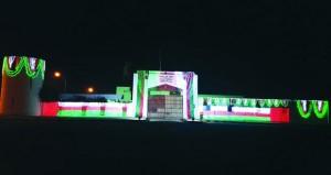 مدحاء تتزين بأعلام السلطنة وصور جلالته ابتهاجا بالعيد الوطني المجيد