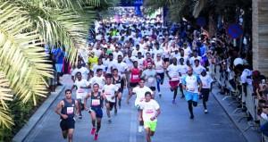 اللجنة المنظمة لماراثون الموج مسقط تكشف عن مسارات فئات السباق وجوائز الفائزين