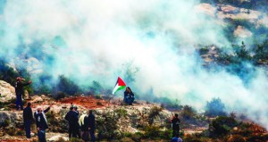 عشرات الجرحى بقمع الاحتلال لمسيرات العودة في غزة
