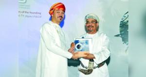 رئيس جامعة السلطان قابوس يتّوج الفائزين بالدورة الثالثة عشرة للمعرض السنوي للخط العربي في الجمعية العمانية للفنون التشكيلية