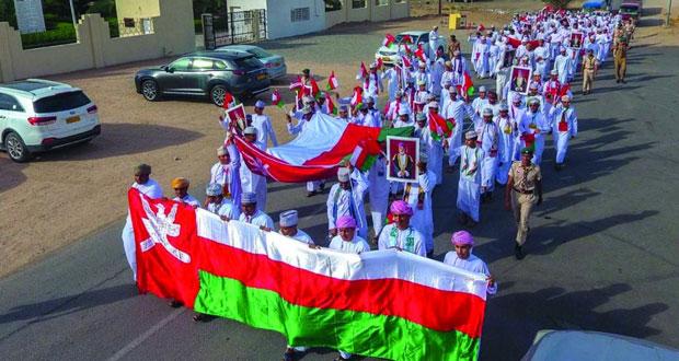 ولايات الظاهرة تواصل احتفالاتها وبهجتها بالعيد الوطني الـ48 المجيد
