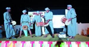 """""""السلام قابوس"""" أمسية وطنية نظمتها فرقة جعلان المسرحية"""