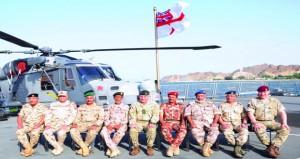 """السفينة البريطانية (إتش إم إس دراجون) تنظم """"غداء عمل"""" لعدد من رؤساء أركان الدفاع لدول المجلس وجمهورية مصر والمملكة الأردنية الذي يزورون السلطنة"""