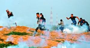 إصابات بالرصاص والاختناق في المواجهات بين الفلسطينيين والاحتلال شرق غزة