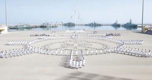 البحرية السلطانية العمانية تحتفل بيومها السنوي