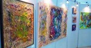 لوحات فنية توظّف موجودات الطبيعة