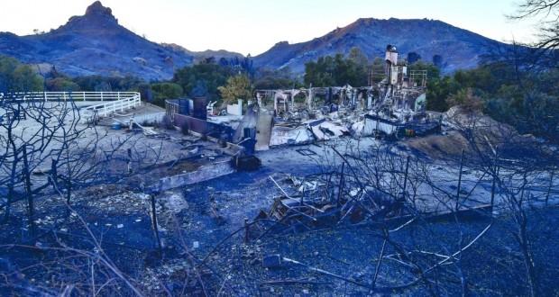 """ارتفاع حصيلة قتلى حريق """"كامب فاير"""" بكاليفورنيا إلى 42"""