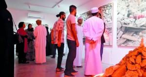 """افتتاح معرض """"ظلال """"بصالة ستال للفنون بمسقط"""