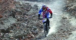 دراج منتخبنا الوطني شبيب البلوشي يخطف برونزية المنحدرات في البطولة العربية الثانية للدراجات الجبلية