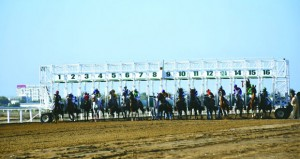 في سباق الخيل السلطاني.. قيس الزكواني يحقق ثنائية في السـباق الرابع على مضمار الرحبة ببركاء