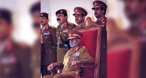 العالم يهنيء سيد عمان