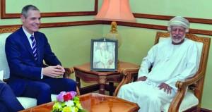 يوسف بن علوي يتلقى رسالة خطية من وزير الخارجية الفرنسي