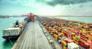 ميناء صلالة يتصدر موانئ المنطقة ومؤهل لاستيعاب البواخر العملاقة