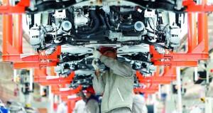 تباطؤ الاقتصاد الصيني في نوفمبر يضع تحديات أمام صناع السياسات الاقتصادية في بكين