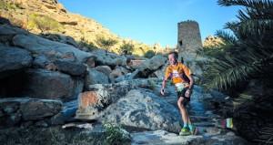 """تحدّي الجري الجبلي العالمي """"ألترا تريل مون بلان"""" يبرز أهم مقومات السياحة الرياضية في السلطنة"""