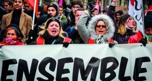 فرنسا: المحتجون مترددون في وقف التظاهرات والسلطات تحقق في (ستراسبورج)